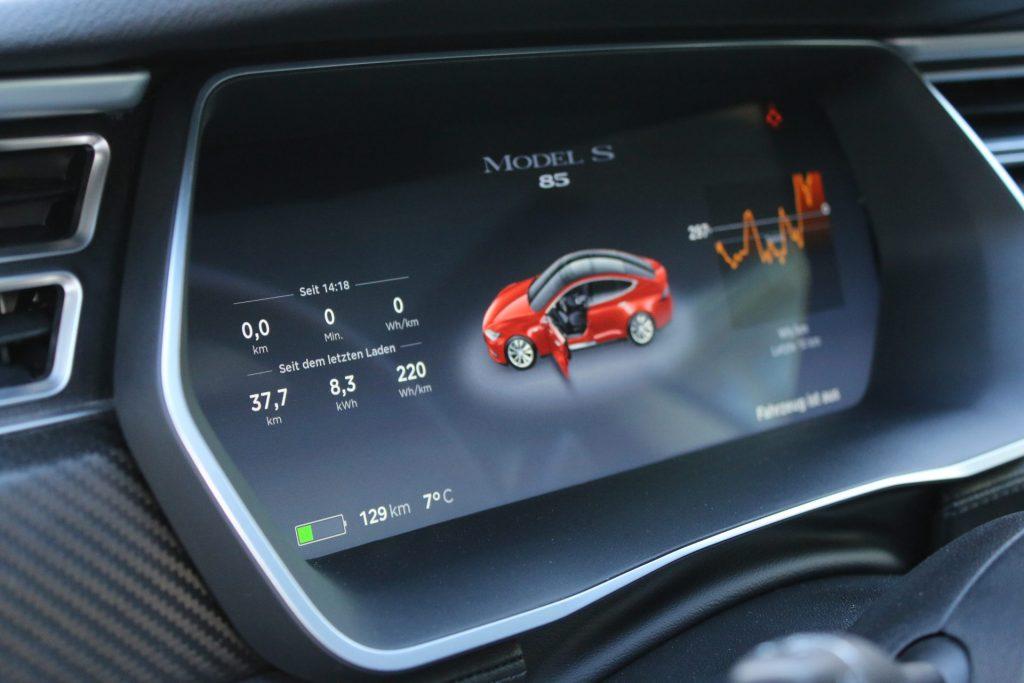 Tesla Model S – Reichweite von min. 1.000 km unter Idealbedingungen erreicht