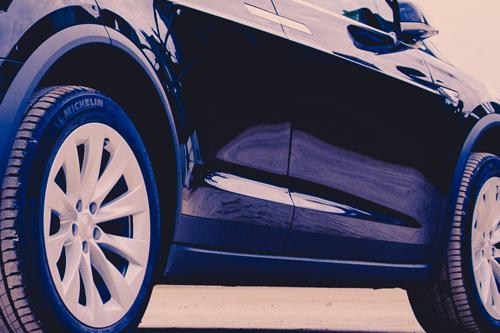 Tesla Model X Smart Air Luftfederung Luftfahrwerk Suspension greenspeed emobility Aachen Deutschland Elektroauto