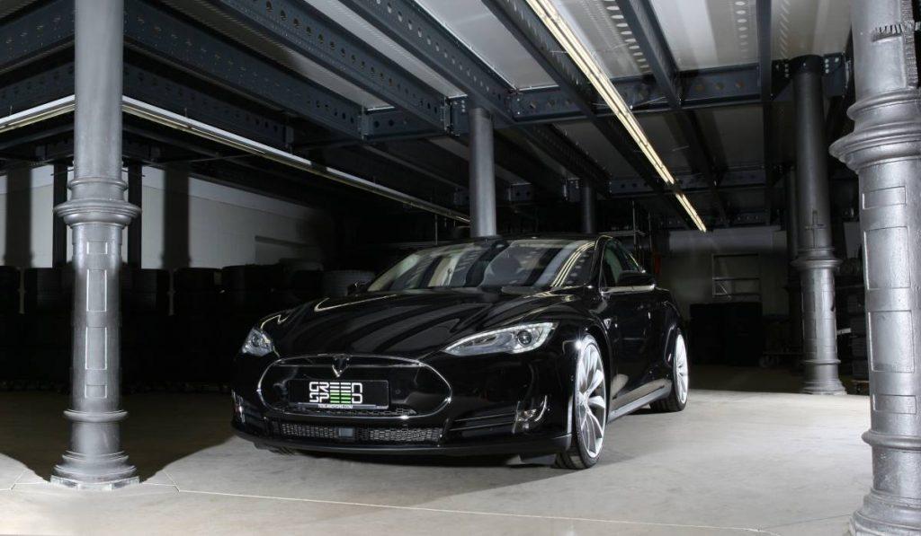 Tesla Model S P90DL