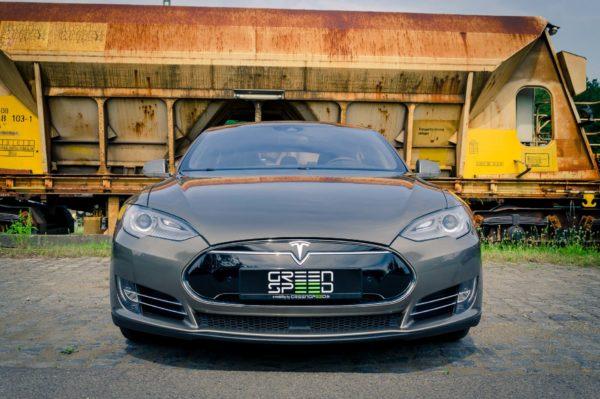 Tesla Model S P85D titanium Frontansicht rote Bremssättel Turbine Felgen 21 Zoll Greenspeed emobility Aachen Deutschland NRW Euregio Autohändler Gebrauchtwagen kaufen