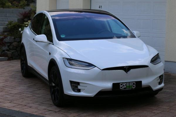 Tesla Model X90D Frontansicht Onyx Felgen Seite Front Frontperspektive vorne Haube parkend perlweiß multicoat white greenspeed emobility Aachen Deutschland NRW Gebrauchtwagen Gebrauchtfahrzeug kaufen