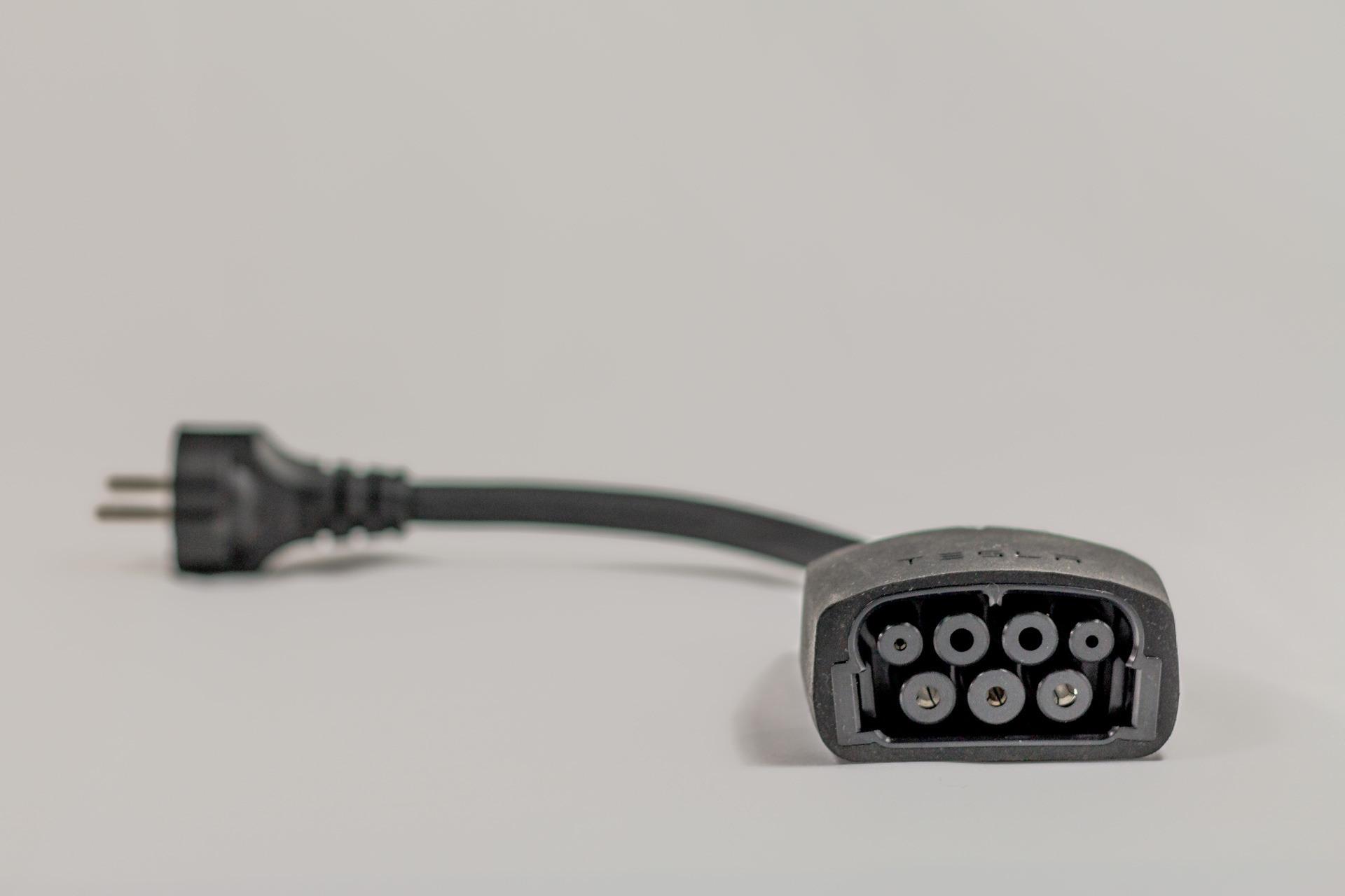 Schuko Adapter Tesla UMC 1. Generation Kabel Adapter Ladegerät 11 kW dreiphasig 3-phasig Greenspeed gebraucht kaufen Aachen Deutschland