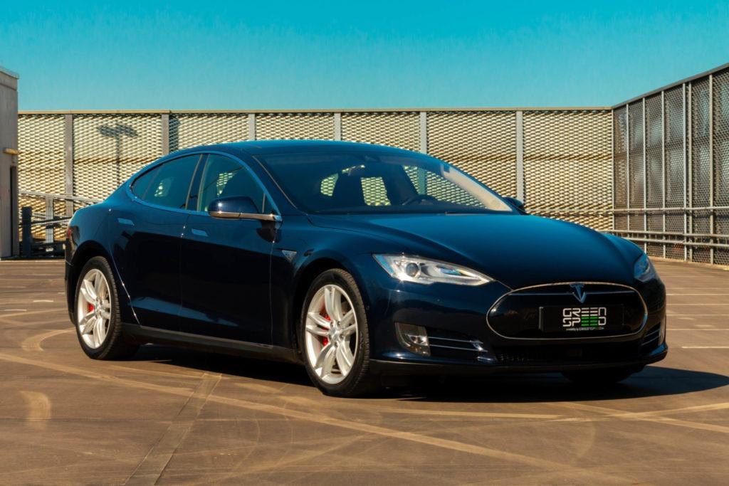 Tesla Model S P85D Blau Metallic Insane Mode free SuC Next Gen Sitze Autopilot 1 Smart Air Doppellader Panorama Glasdach Schiebedach Ultra High Fidelity Sound Paket Karbon Carbon Kohlefaser Heckspoiler