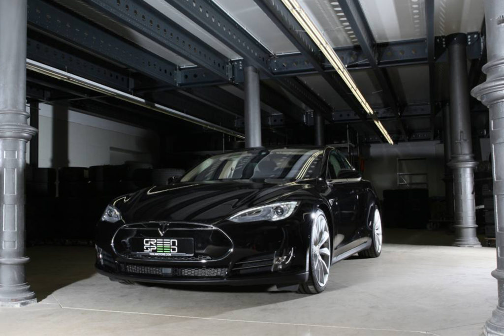 Foto: Tesla Model S P90DL in Obsidian Black Metallic mit Autopilot und Turbine-Felgen von Greenspeed! | © Greenspeed.de