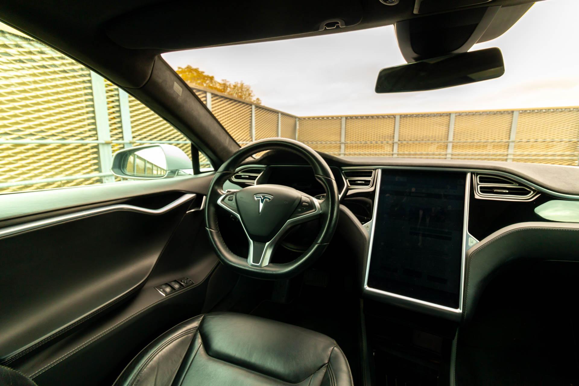 Tesla Model S90D
