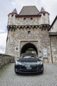 Tesla Model S85 grün metallic Schiebedach Supercharger Freischaltung Ledersitze E-Auto Elektro Auto greenspeed emobility Deutschland Fahrzeugkauf Elektromobilität Elektromobil